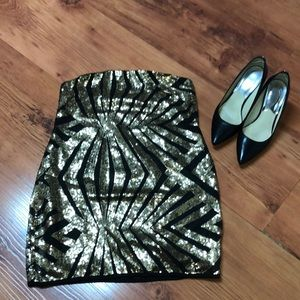 Dresses & Skirts - 🔥JUST IN 🔥strapless black and gold sequins dress